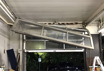 Garage Door Off Track | Bayou Vista | Texas City, TX